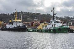 Tug Hertug & bogserbåtBoasund Arkivfoto