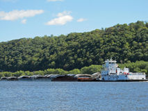 Tugboat и баржи река Миссисипи Стоковое фото RF