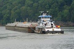 tugboat 4 баржей Стоковая Фотография