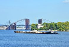 Tugboat assisting a barge Royalty Free Stock Photography