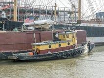 Tugboat na Wschodnim rzecznym Miasto Nowy Jork Manhattan Obraz Stock