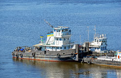 Tugboat on river Royalty Free Stock Photos