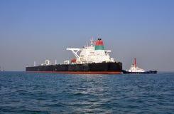 tugboats нефтяного танкера Стоковая Фотография