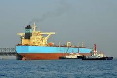 tugboats 2 нефтяного танкера Стоковое Фото