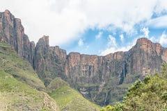 Tugela tombe, à 948m, la 2ème cascade la plus grande sur terre Photographie stock