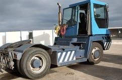 Tugmaster Lastwagen-Maßeinheit Lizenzfreie Stockfotos