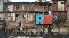 Tugurios de Dharavi en Bombay del este Distrito de Bandra, maharashtra, la India metrajes