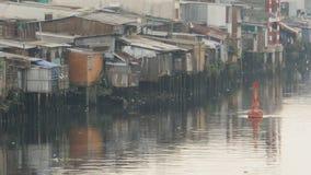 Tugurios en el río saigon Vietnam Visión 5 almacen de video