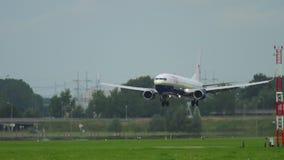 TUI μύγα Boeing 737 που προσγειώνεται φιλμ μικρού μήκους