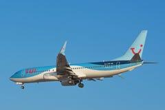 Tui Boeing 737 débarque à l'aéroport du sud de Ténérife le 10 août 2016 Photographie stock