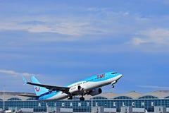 TUI Tompsons αερολιμένας της Αλικάντε αεροπλάνων Στοκ εικόνες με δικαίωμα ελεύθερης χρήσης