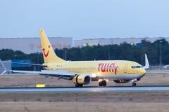 TUIfly波音737-800在登陆以后的 免版税库存图片