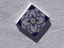 Tuile bleue de mur Photo libre de droits