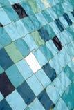 Tuiles colorées dans la piscine, fond Photographie stock libre de droits