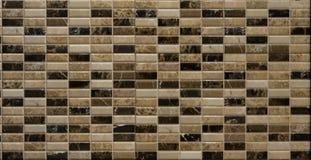 Tuiles de mosaïque aléatoires de Brown Photo stock