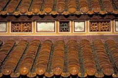 Tuiles de toit oranges Image stock