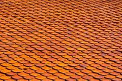 Tuiles de toit oranges Images libres de droits