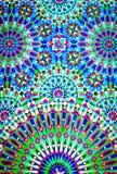 Tuiles marocaines colorées sur le mur de la mosquée mosquée de hassan II Photos stock