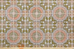 Tuiles portugaises traditionnelles d'azulejo sur le bâtiment à Porto, P Image stock