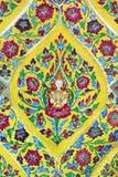 Tuiles vitrées thaïlandaises traditionnelles images stock