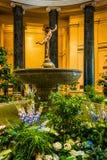 Tuin en beeldhouwwerk in het National Gallery van Kunst in Washingto Royalty-vrije Stock Afbeeldingen