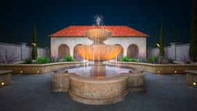 Tuin met de fontein Stock Afbeelding