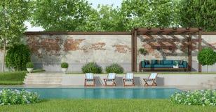 Tuin met grote pool Royalty-vrije Stock Afbeelding