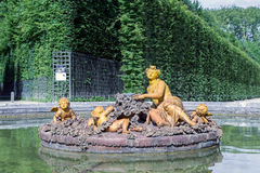 Tuin met siervijverpaleis Versailles dichtbij Parijs, Frankrijk Stock Afbeeldingen