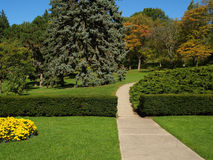 Tuin met weg Royalty-vrije Stock Foto's