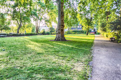 Tuin in St George Vierkant, Londen Stock Afbeeldingen