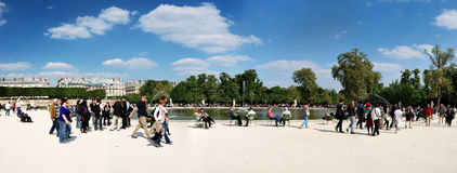 Tuin van Tuileries dichtbij het Louvre in Parijs Stock Fotografie
