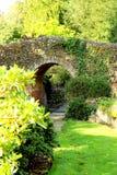 Tuinbrug royalty-vrije stock afbeelding