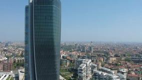 Tuinen en paleizen van Milan City Life - luchthommelmening stock videobeelden