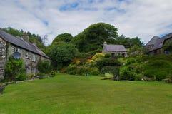 Tuinen in ffald-y-Brenin in de zomer stock afbeelding