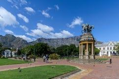 Tuinen Kaapstad van het Delville de houten herdenkingsbedrijf Zuid-Afrika Oktober 2017 stock fotografie