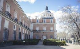 Tuinen van de stad van Aranjuez, in Spanje wordt gevestigd dat Steenpaleis royalty-vrije stock foto