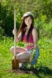 Tuinierende vrouw royalty-vrije stock afbeelding