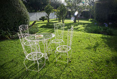 Tuinlijst en stoelen Royalty-vrije Stock Foto