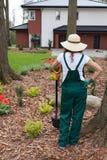 Tuinman die spade houden royalty-vrije stock foto's