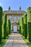Tuinweg van een Buitenhuis Royalty-vrije Stock Fotografie