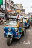 Tuk在Kaosan路的tuk出租汽车在曼谷 图库摄影