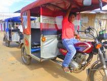 Tuk и водитель tuk мотоцилк Стоковая Фотография RF
