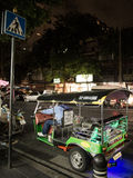 Tuk de Tuk en la noche Imagenes de archivo