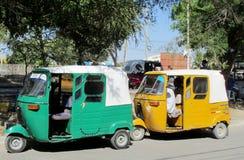 Tuk de Tuk sur la rue dans la ville du Pérou photos stock