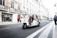 Tuk-tuk med passagerare royaltyfria bilder