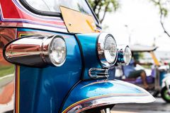Tuk-Tuk thailändsk traditionell taxi Arkivbild