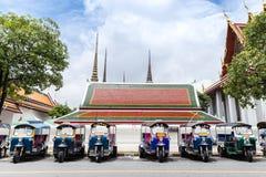 Tuk-Tuk, Thaise traditionele taxi stock foto