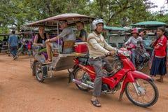 Tuk tuk Angkor Wat, Kambodja royalty-vrije stock foto's