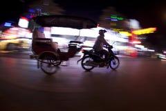 Tuk tuk bij nacht stock fotografie