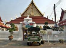 Tuk Tuk bij Wat Chanasongkram-tempel Stock Foto